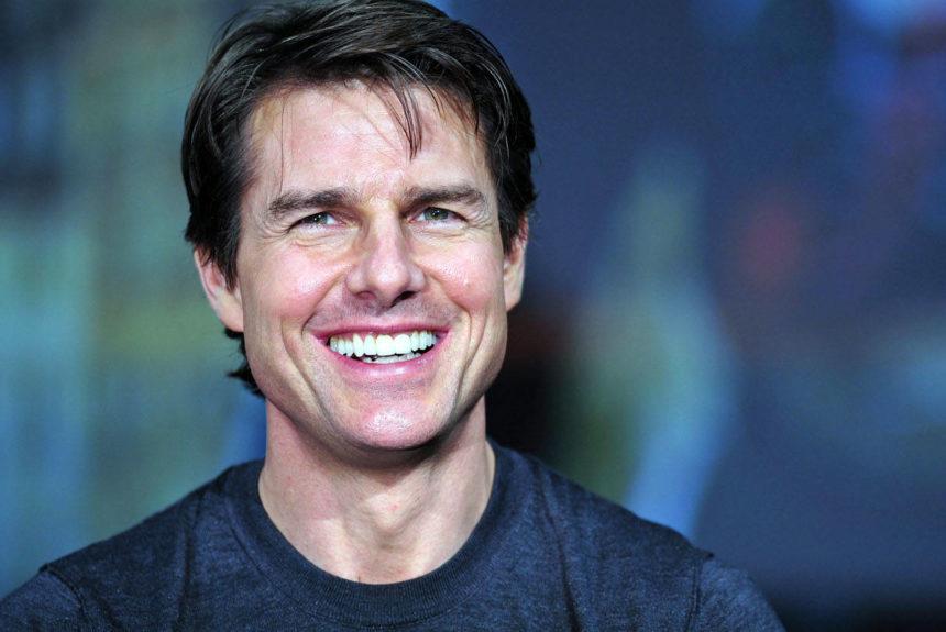 Celebrity Smile, The Hollywood Secret.