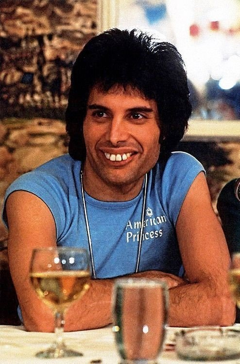 Freddie Mercury's teeth
