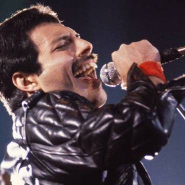 Did Freddie Mercury's Teeth Make Him Sing Better?