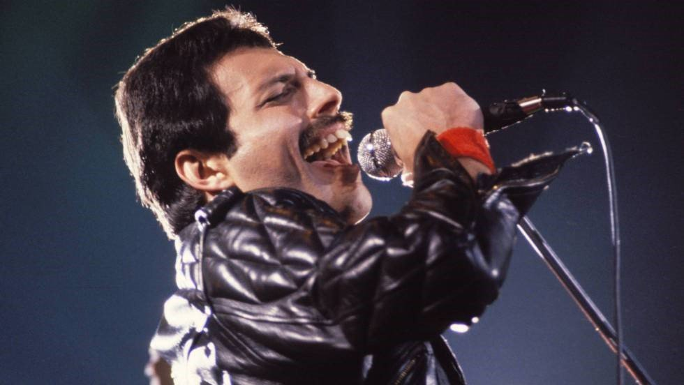 Freddie mercury teeth